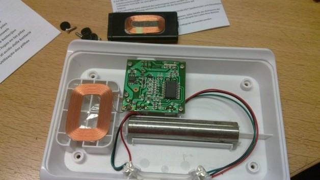 один из вариантов самодельных беспроводных зарядок
