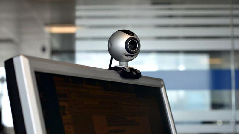 Как подсоединить веб камеру к компьютеру