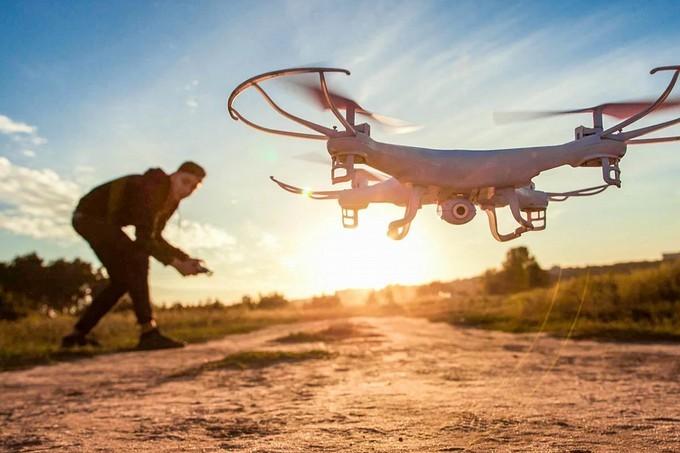 Квадрокоптер в полете