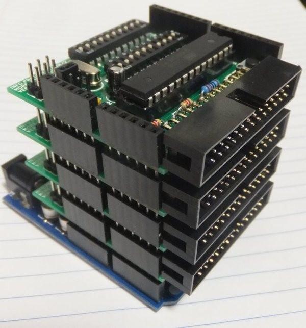 Стопка подключенных Arduino More-Core Shield